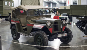 Телеканал «Авто Плюс» приглашает на выставку «Моторы войны»